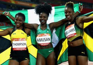 Nigeria's Tobiloba Amusan with other medallists in Gold Coast 2018 / Photo: athletics-africa.com